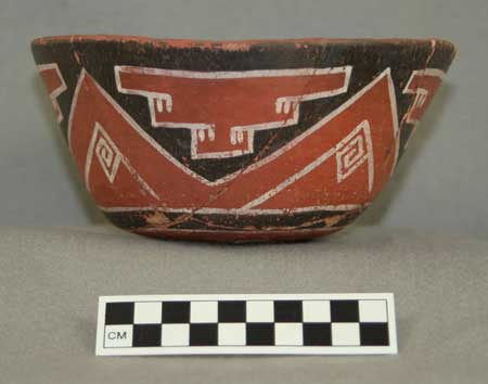 his polychrome vessel from Grasshopper Pueblo, a 14th century Mogollon site in Arizona, is similar to some of those sampled in the study. (Courtesy Crown et al., PNAS)