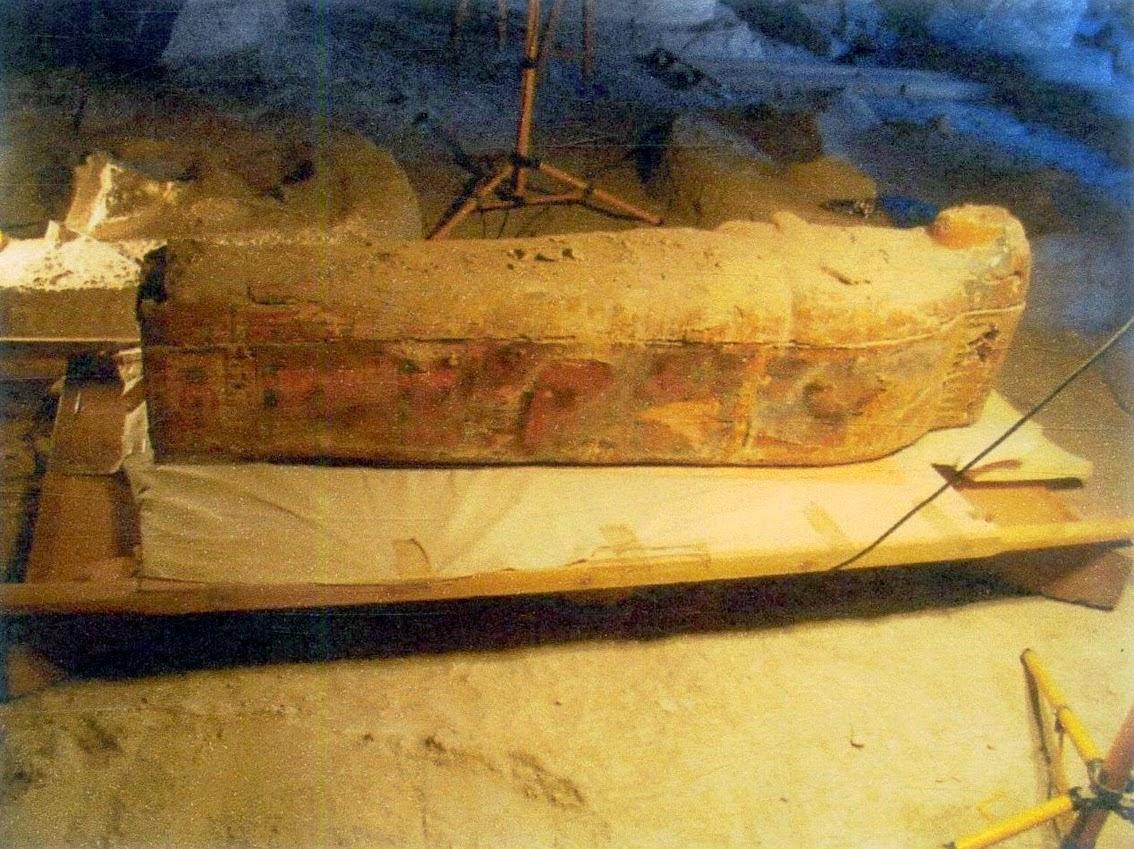 amonhotep tapınağında mumya