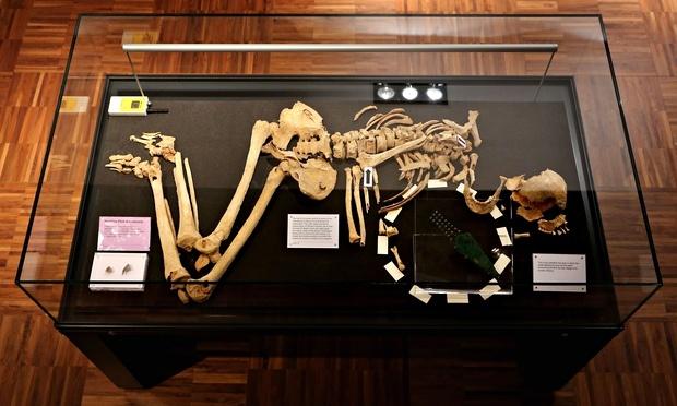 avrupanın en eski bronz objesi
