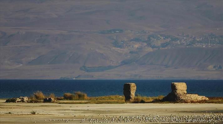 van gölü osmanlı kalesi urartu kalesi