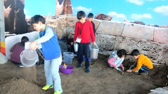 eskişehirde arkeoloji atölyesi açıldı