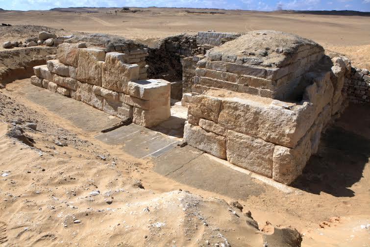 Antik Mısırın kayıp kraliçesinin mezarı ardındaki gizem