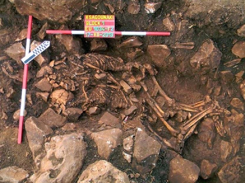 neolitik önem mezarında sarılan çiftler