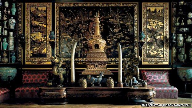 Paris'in yakınlarındaki bir saraydan çok değerli çin eserleri çalındı
