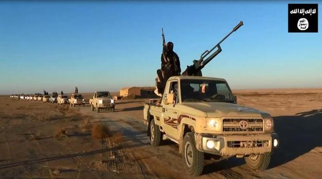 ışid assur şehrine ağır araçlarla saldırdı