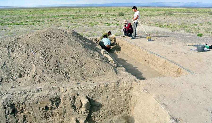 Moğolistanda Kanlı Fatih Cengiz Han dönemine ait bir kale/karakol bulundu.