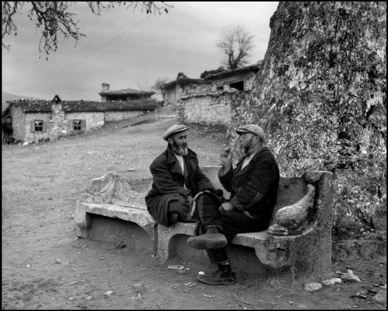 ara güler'in çektiği aphrodisias antik kenti fotoğrafları