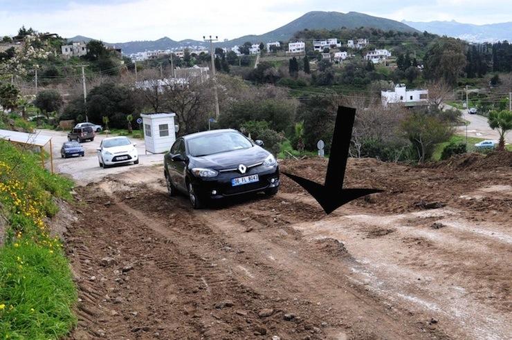 bodrum'da tarihi mezarlar asfaltla kapatıldı