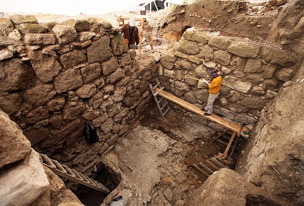 Lübnan'da Fenikelilerin mabedi bulundu