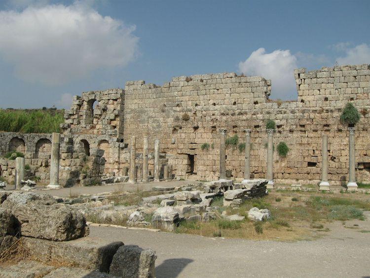 arkeologlar kazı yapılacak yerleri nasıl bulur?
