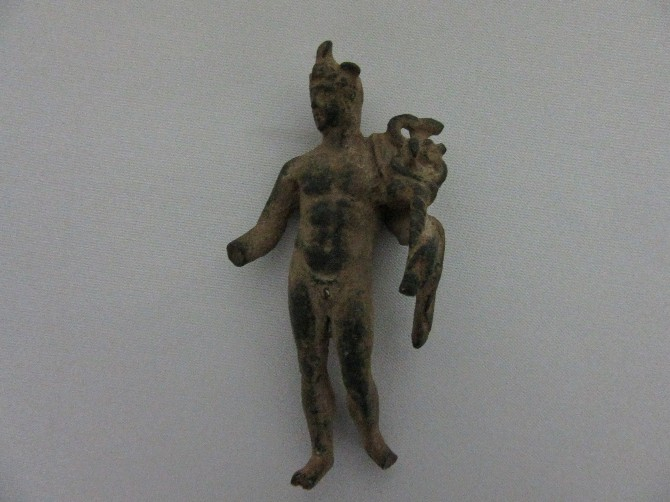 burdur'da bronz hermes heykelleri