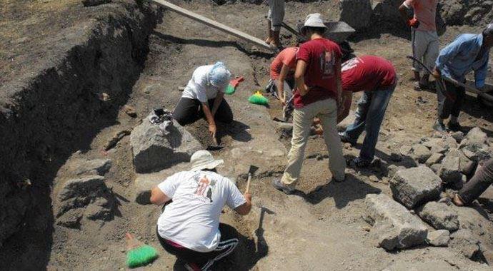 """Arkeologlar Derneği İstanbul şubesi'nde """"Serbest Arkeolog"""" konulu toplantı"""