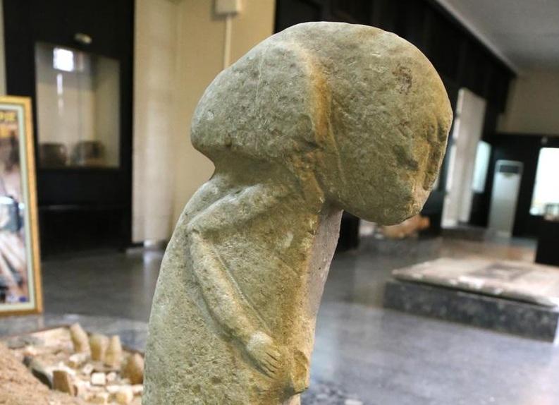 Depoda Bulunan 9500 Yıllık Heykel Adıyaman'da Sergilenmeye Başlandı