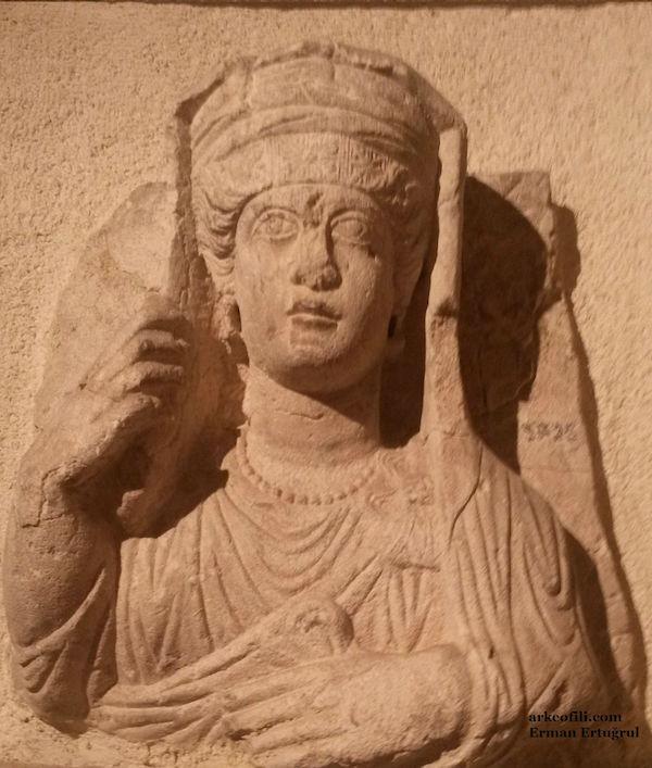 İstanbul'da sergilenen Palmira antik kenti eserleri