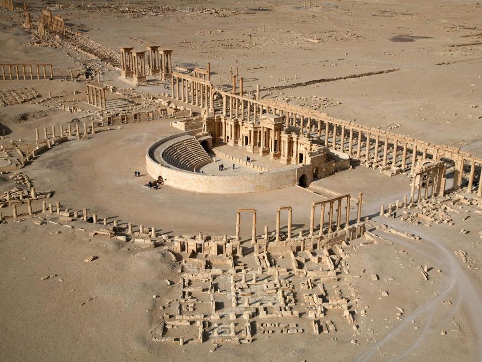 Suriye palmira antik kentini geri alacak