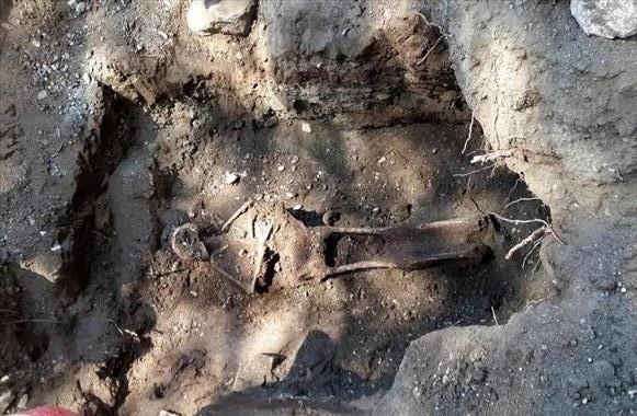 otel tahsisi yapılan phaselis'te insan iskeletleri ve tarihi yapılar