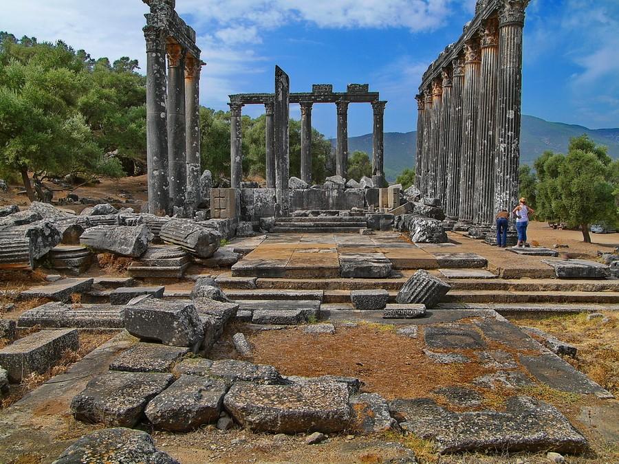 euromos zeus tapınağı kazı evi