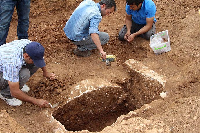 mardin'de 3000 yıllık mezar