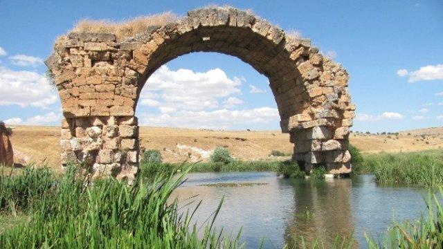 gaziantep'te tarihi septimius severus köprüsü dökülüyor