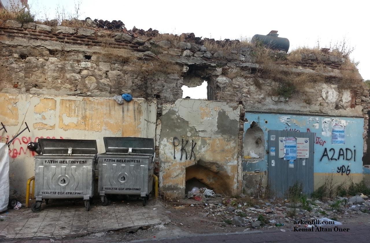 fatih'te tarihi bizans ve osmanlı yapıları onarılmıyor