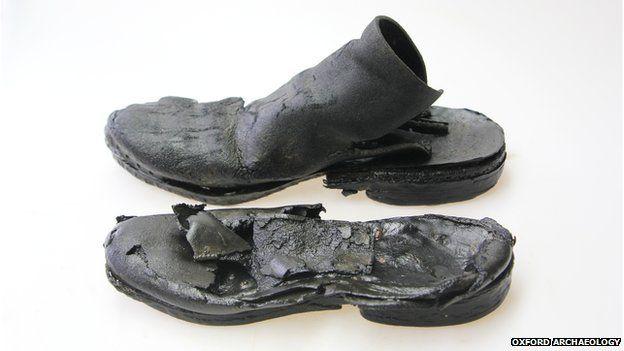 50 ortaçağ deri ayakkabısı buldu