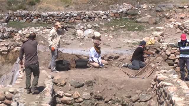 Alacahöyük'teki Hitit Maden Atölyesinde Duvarlara Ulaşıldı