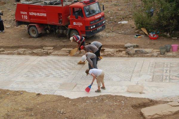 Ad Cragum Antik Kenti'nde 2000 Yıllık Mozaik Bulundu