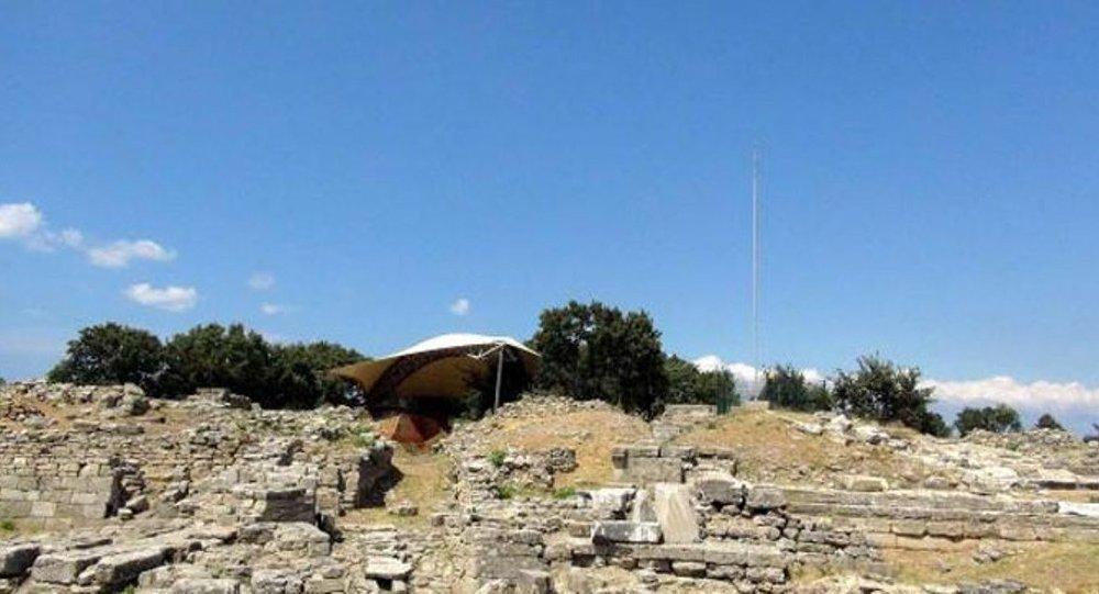 Troia Antik Kenti'nin Ortasına Paratoner Dikildi