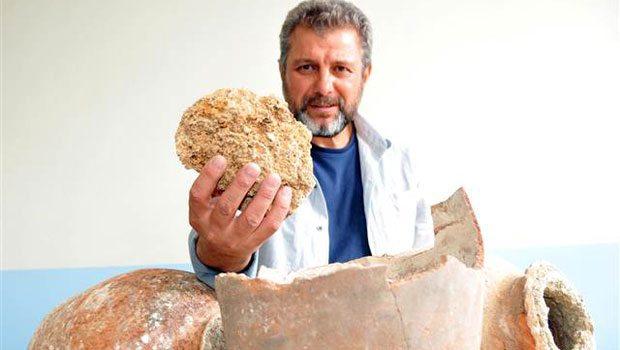 Van'daki Hoşap Kalesi'nde 250 Yıllık Otlu Peynir Bulundu