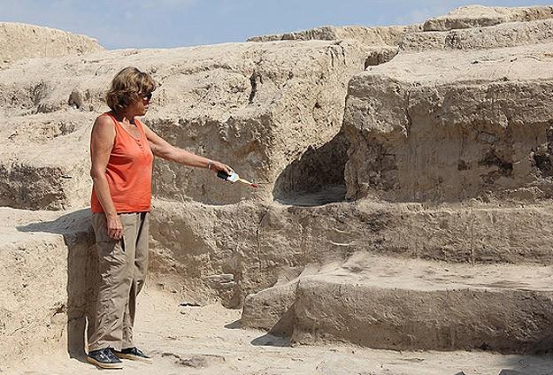 Aslantepe'de 5000 Yıllık Kerpiç Taht Bulundu