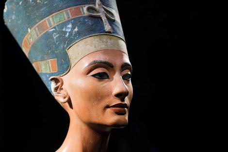 Nefertiti'nin Gizemli Mezarı Bulunabilir