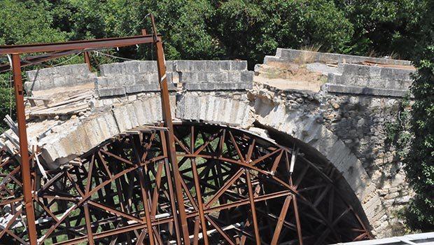 Aydın'da Osmanlı'nın Dandalaz Köprüsü Restorasyon Sırasında Yıkıldı