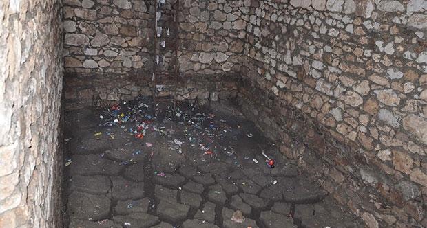 Manisa'da Çöken Zeminin Altından Osmanlı Yapısı Çıktı