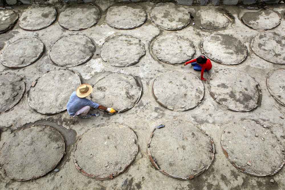 Van'da Urartulara Ait 120 Adet Pithos Bulundu