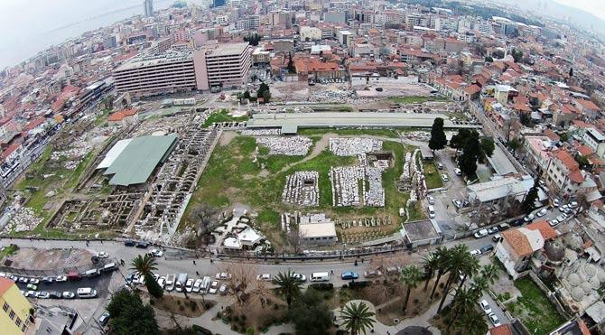 İzmir'de Arkeolojik Kazılara Bakanlık Engeli Devam Ediyor