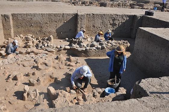 Aydın'daki Tepecik Höyüğü'nde 3500 Yıllık Fırın ve Üretim Kompleksi Bulundu
