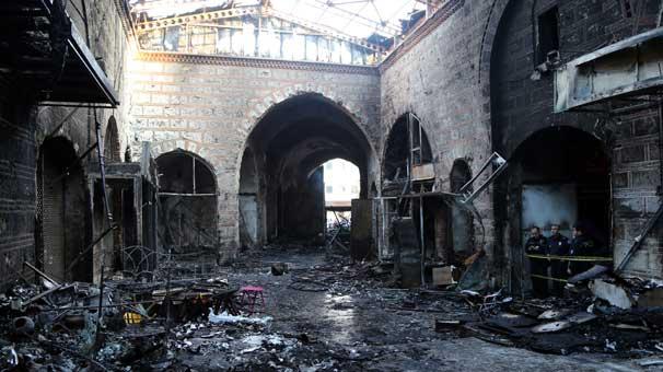 Bursa'da UNESCO Listesindeki Tarihi Çarşıda Yangın Çıktı