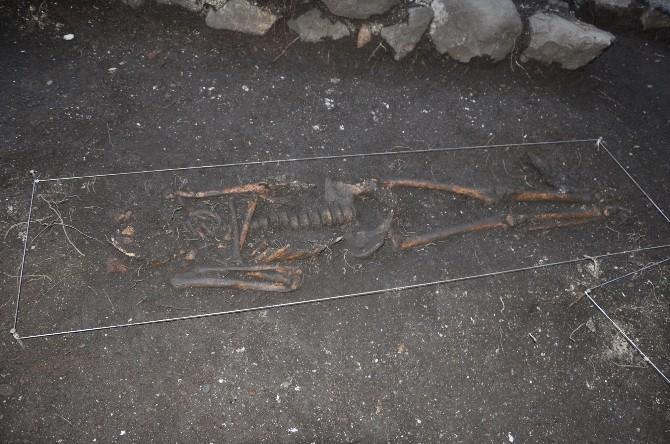 Giresun Adası'nda Bizans Mezarları Bulundu