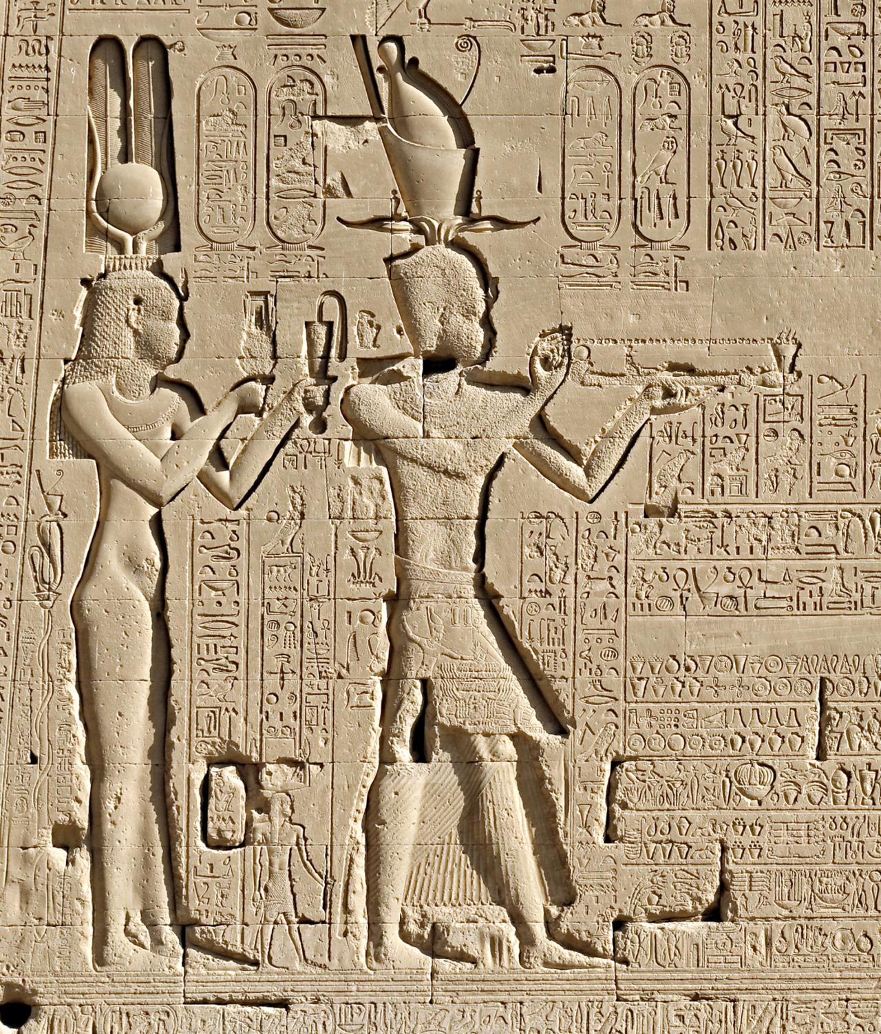 Efsanenin Aksine Kleopatra'yı Bir Yılan Öldürmüş Olamaz