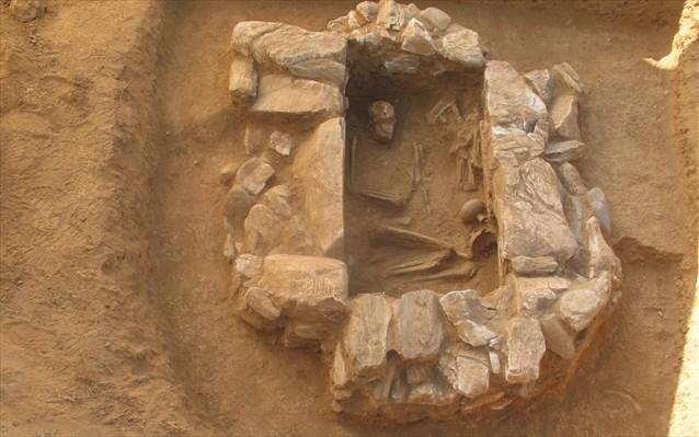 Midilli Adası'nda 3,000 Yıllık Miken Mezarı Bulundu