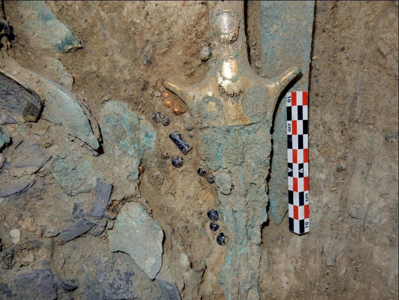Yunanistan'da Hazine Dolu 3,500 Yıllık Savaşçı Mezarı Bulundu