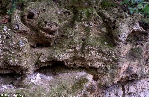 Sığır, keçi ve oğlak başları kayaların üzerinde oldukça net şekilde görülebiliyor.