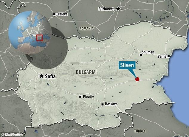Bulgaristan'da Kayalara Oyulmuş Gizemli Hayvan Başları Keşfedildi