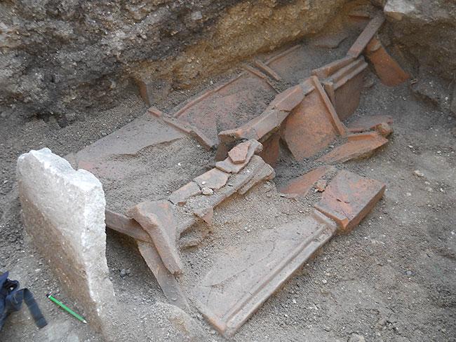 Foça'da Kanalizasyon İçin Tarih Yok Ediliyor