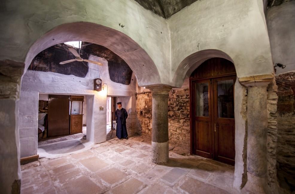 Kilisenin iç kısmı. Fotoğraf: Epirus Treasures]