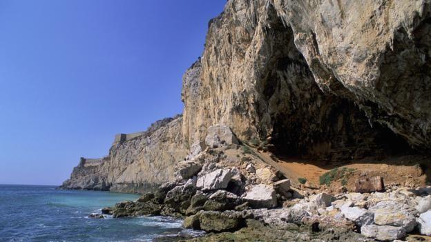 Gorham Mağarası (Cebraltar) bir zamanlar Neandertal yaşam alanlarından biriydi. (foto: Javier Trueba, MSF/SPL)