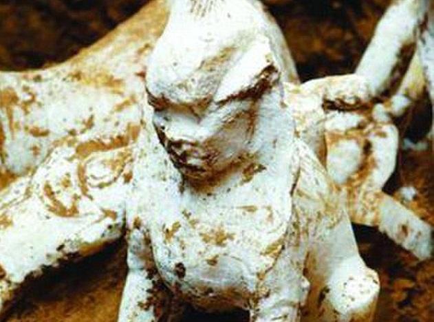 Çinli Bilginin Mezarında 1,000 Yıllık Sfenks Heykeli Bulundu