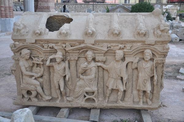 İznik'te Çiftçinin Bulduğu Roma Lahdi İncelendi