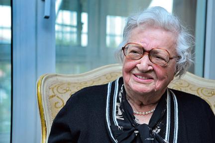 Prof. Dr. Nimet Özgüç Hayatını Kaybetti