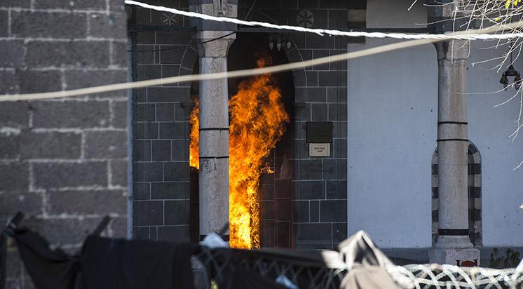 Diyarbakır'daki İlk Osmanlı Eseri Fathipaşa Camisi'nde Yangın Çıktı!